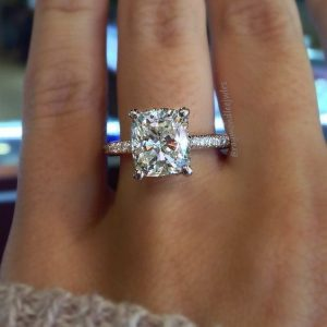 Trending Engagement Ring Styles Going Into 2018 Houston Diamond Outlet